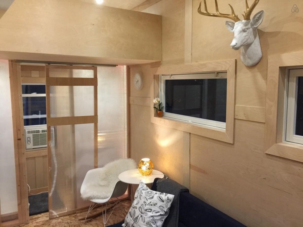 airbnb-tiny-home-nebraska-inside