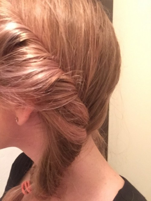 How to Airdry Hair Like a Blowout - up close twist