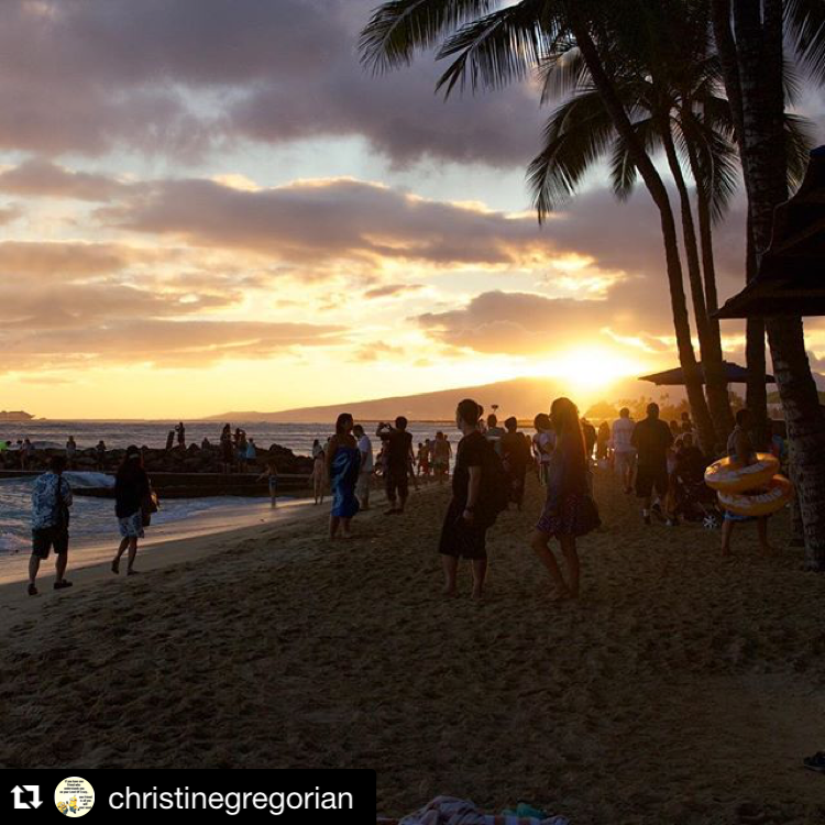 7 July Travel Destinations - Honolulu night - GirlTripping - christinegregorian - instagram